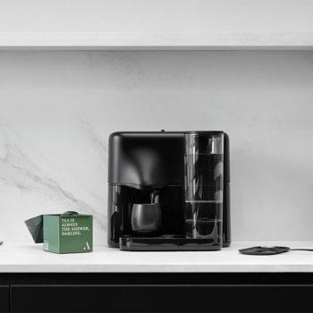 AVOURY One Teemaschine - Pure Black